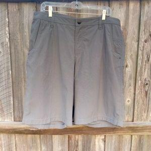 NWOT Lululemon Men's Grey Plaid Shorts Size 38